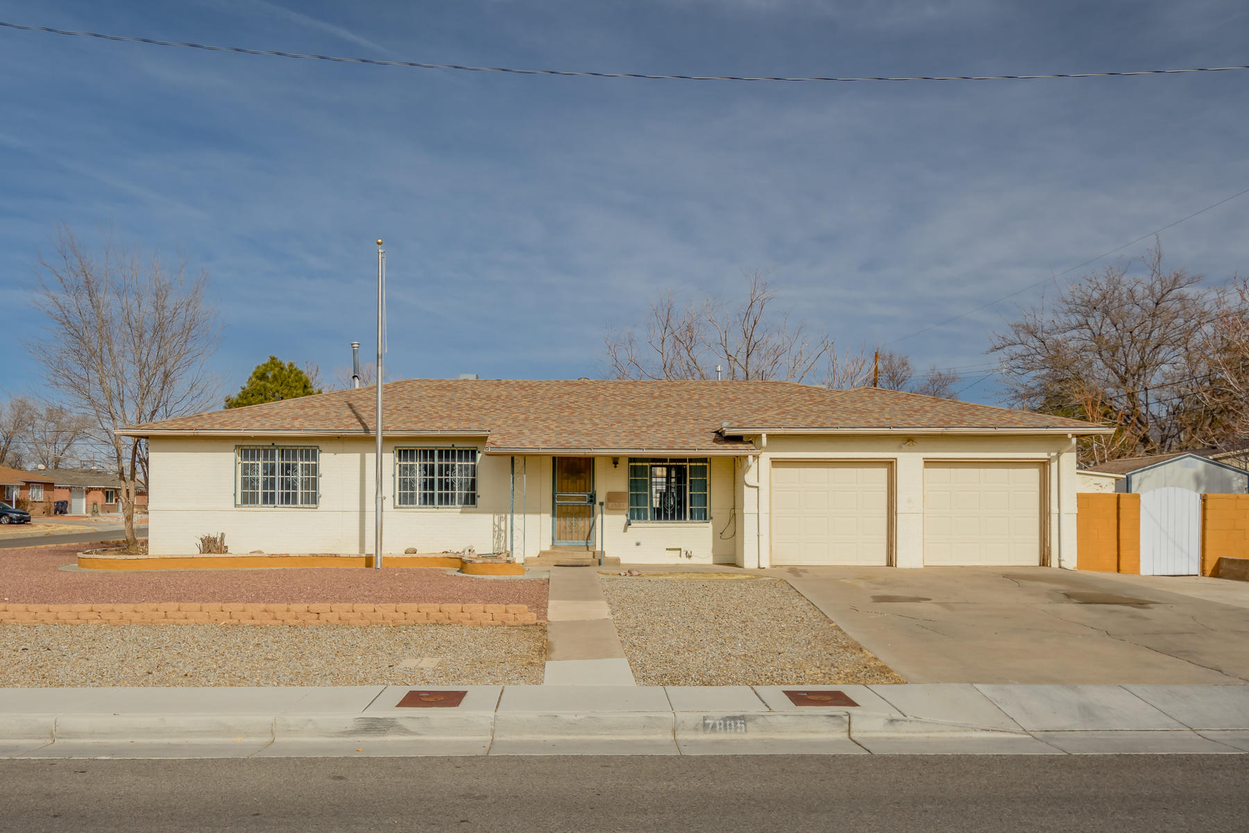 7805 CUTLER Avenue, Albuquerque NM 87110