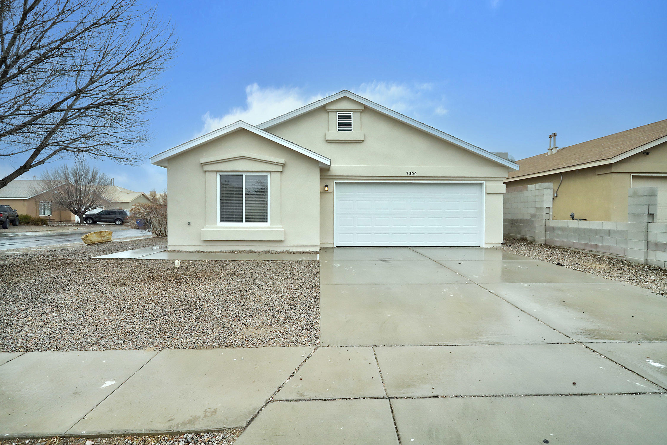 7300 DESERT MORNING Road, Albuquerque NM 87121