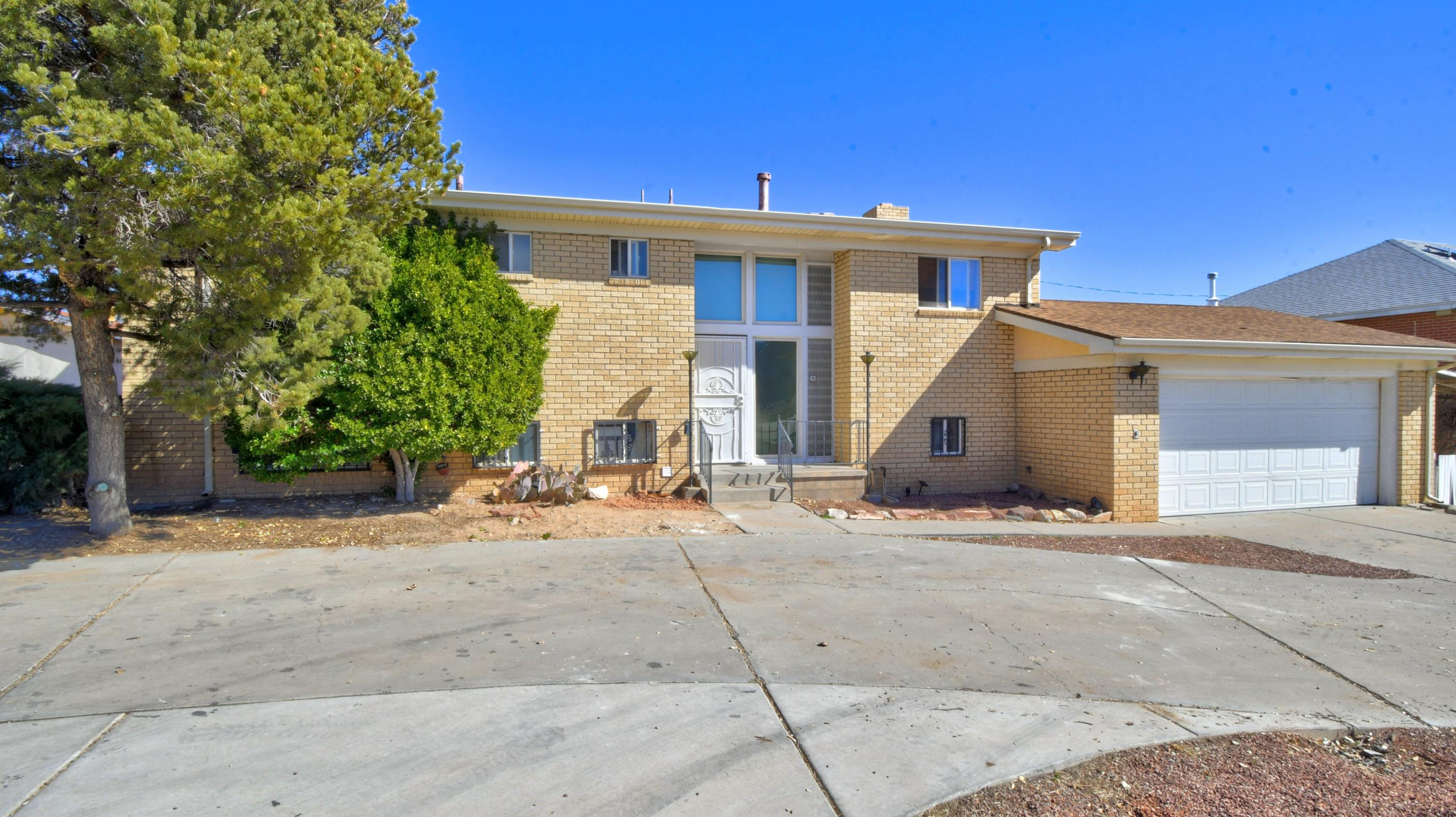 1032 ATRISCO Drive, Albuquerque NM 87105