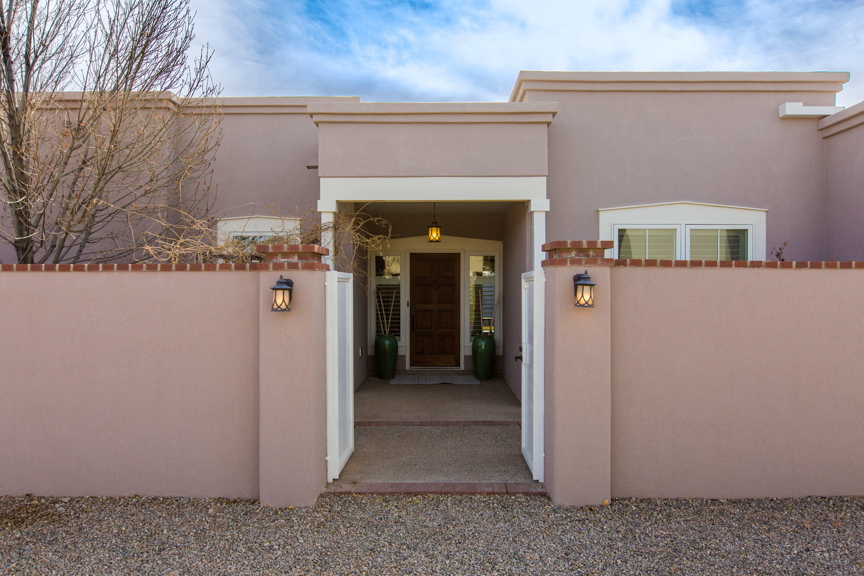 5106 GUADALUPE Trail, Albuquerque NM 87107