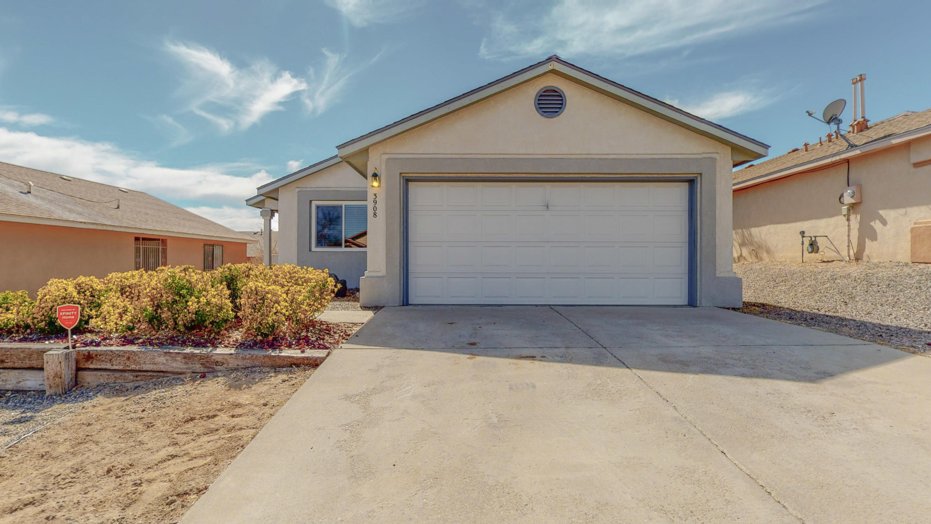 3908 SUNTRAIL Road, Albuquerque NM 87114