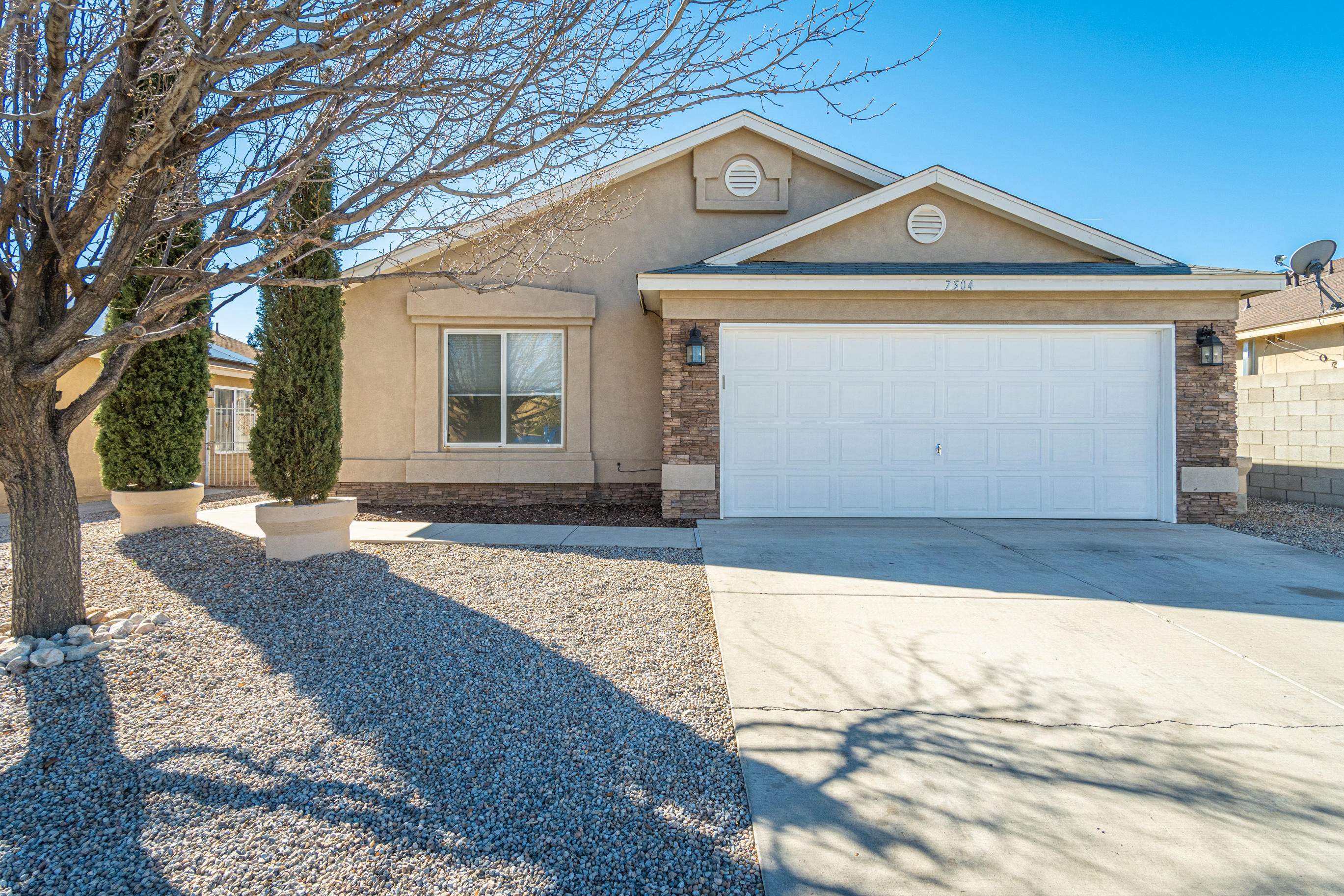 7504 RAINMAKER Road, Albuquerque NM 87121