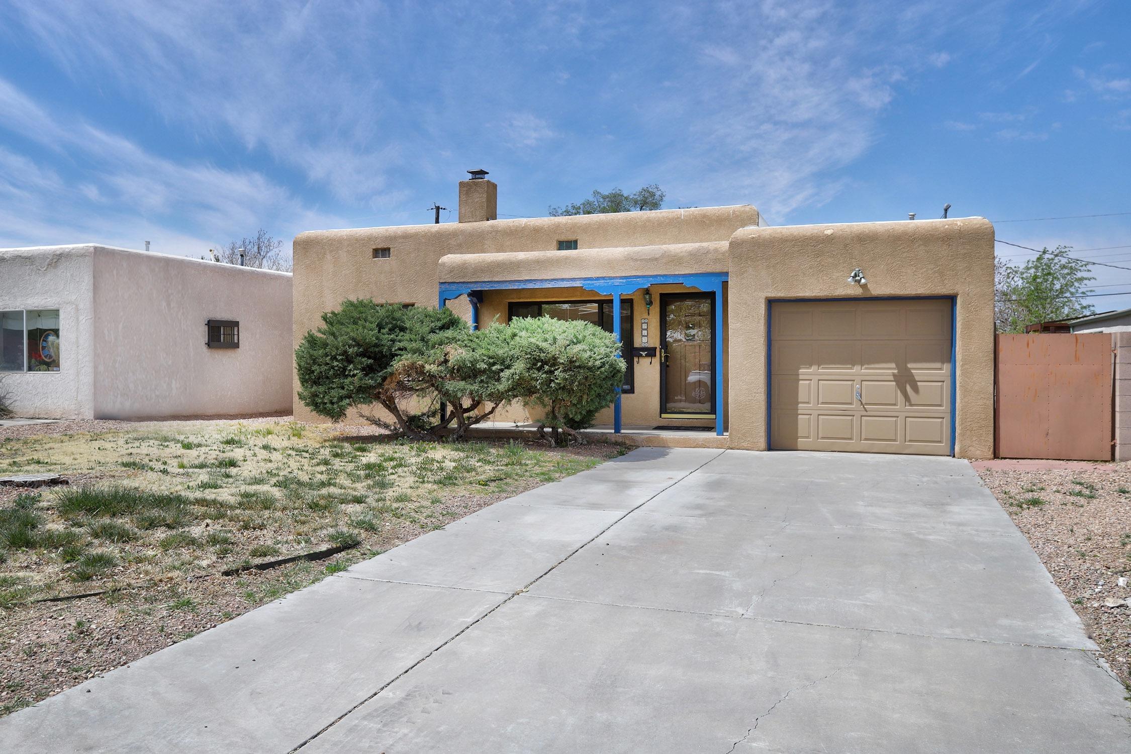 213 Monroe Street, Albuquerque NM 87108