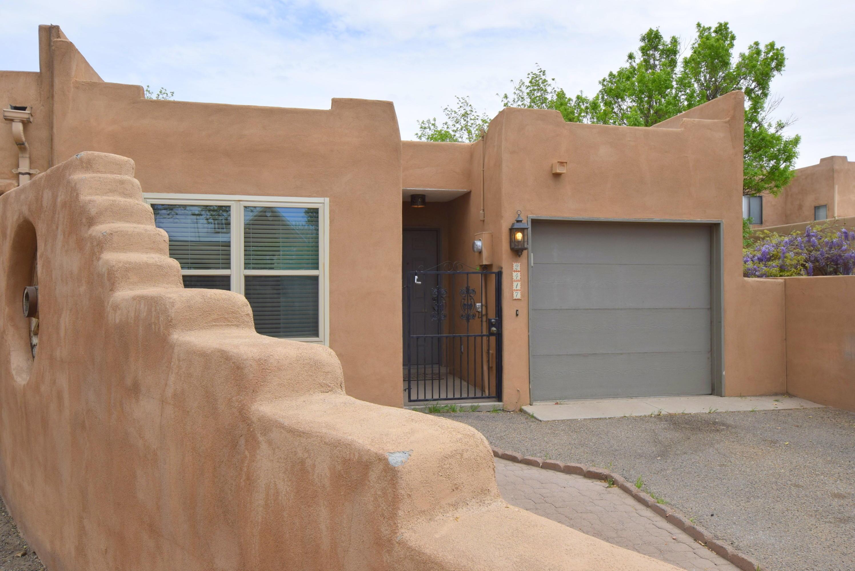 2417 NORTHWEST Circle, Albuquerque NM 87104