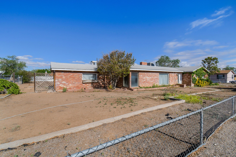 6317 LOCUST Street, Albuquerque NM 87113