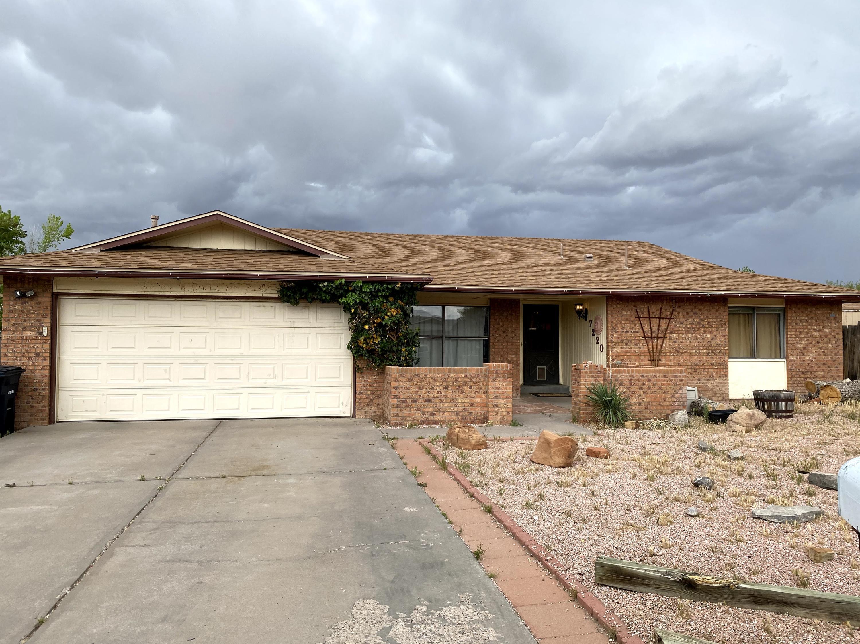 7220 RELAMPAGO Street, Albuquerque NM 87120