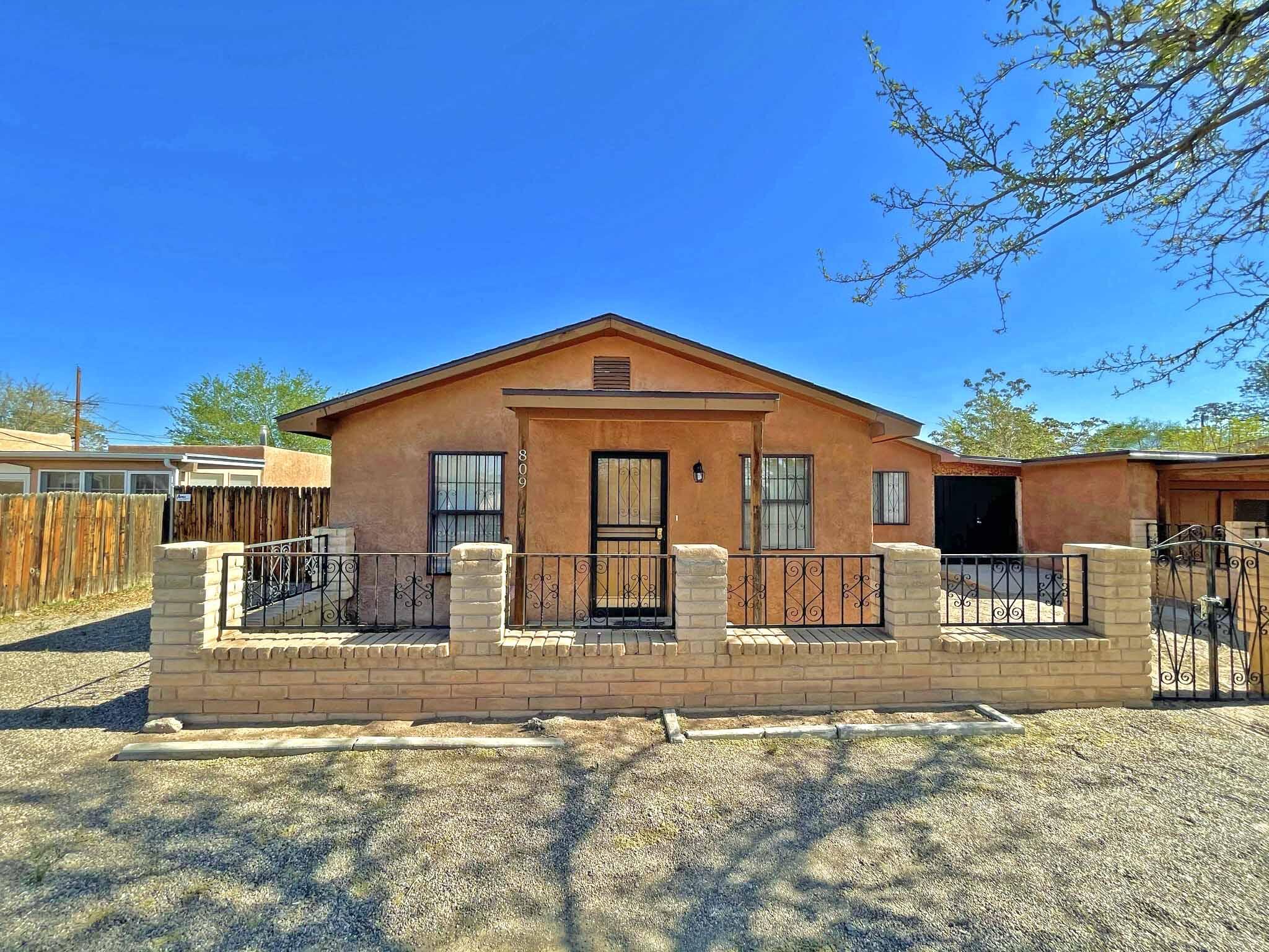 809 PALO DURO Avenue, Albuquerque NM 87107