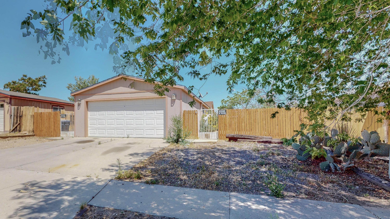 716 VISTA DEL PUEBLO Street, Albuquerque NM 87121