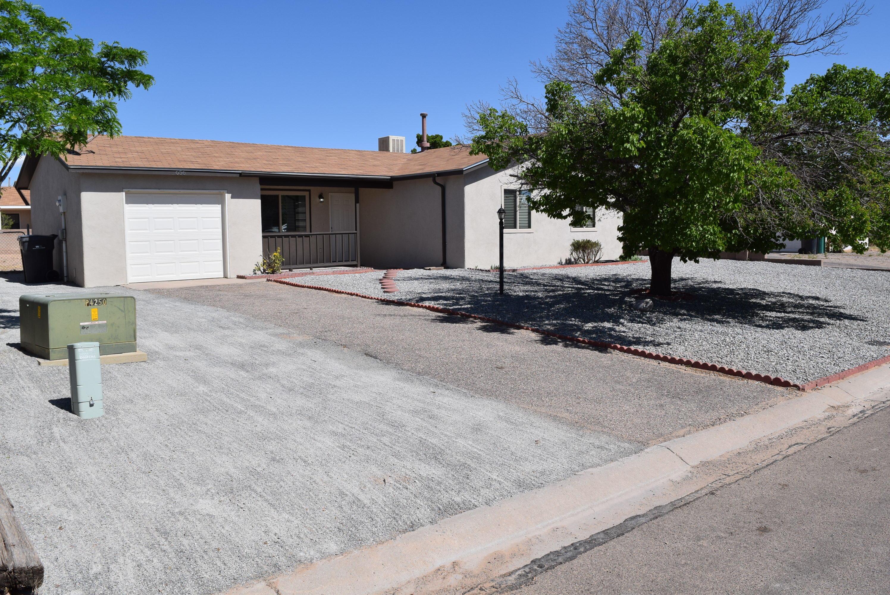 656 ORCHID Drive, Rio Rancho NM 87124