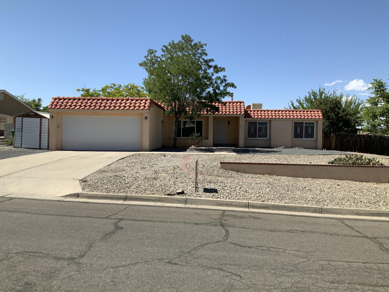 5901 UNITAS Lane, Albuquerque NM 87114