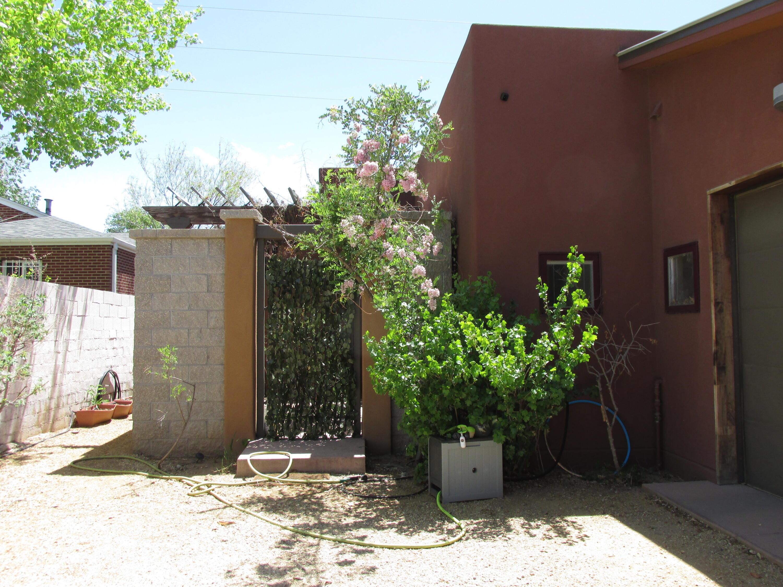 1607 Coal Avenue Unit B, Albuquerque NM 87106