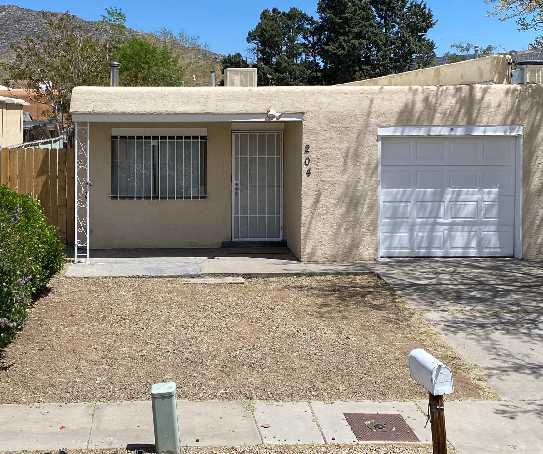 204 ZENA LONA Street, Albuquerque NM 87123