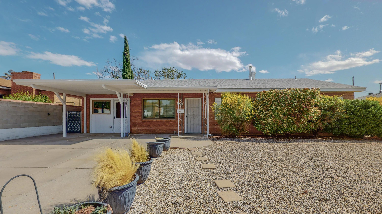 9020 LOS ARBOLES Avenue, Albuquerque NM 87112