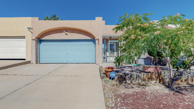 6916 BLACK PINE Place, Albuquerque NM 87109