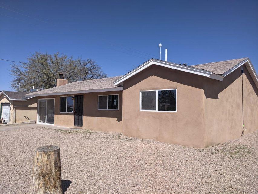 3002 VAL VERDE Road, Albuquerque NM 87110