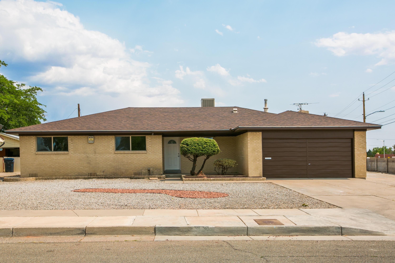 7000 DELLWOOD Road, Albuquerque NM 87110