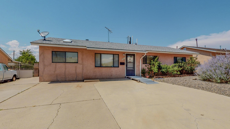 10217 BETTS Drive, Albuquerque NM 87112