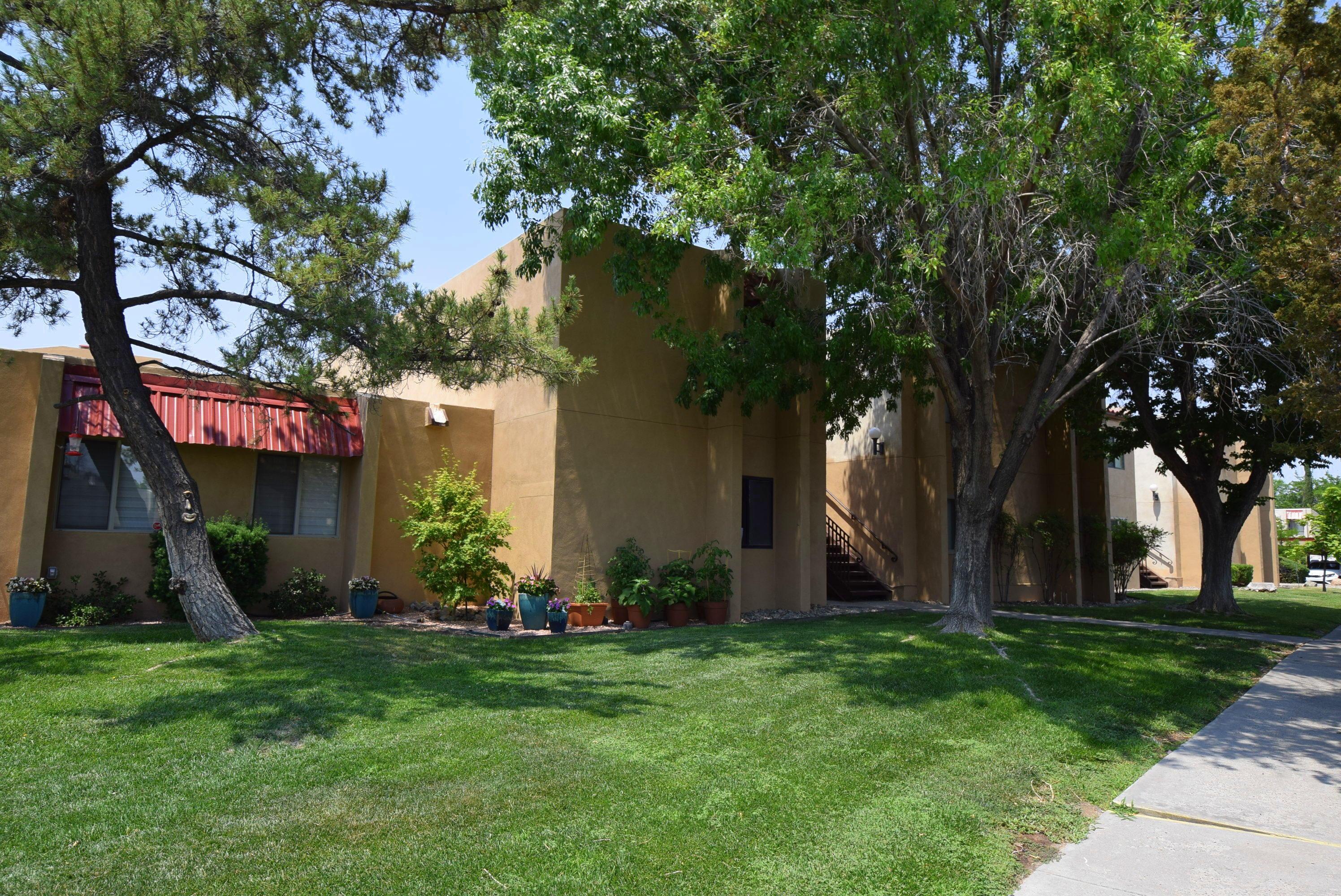 907 Country Club Drive Unit D, Albuquerque NM 87124