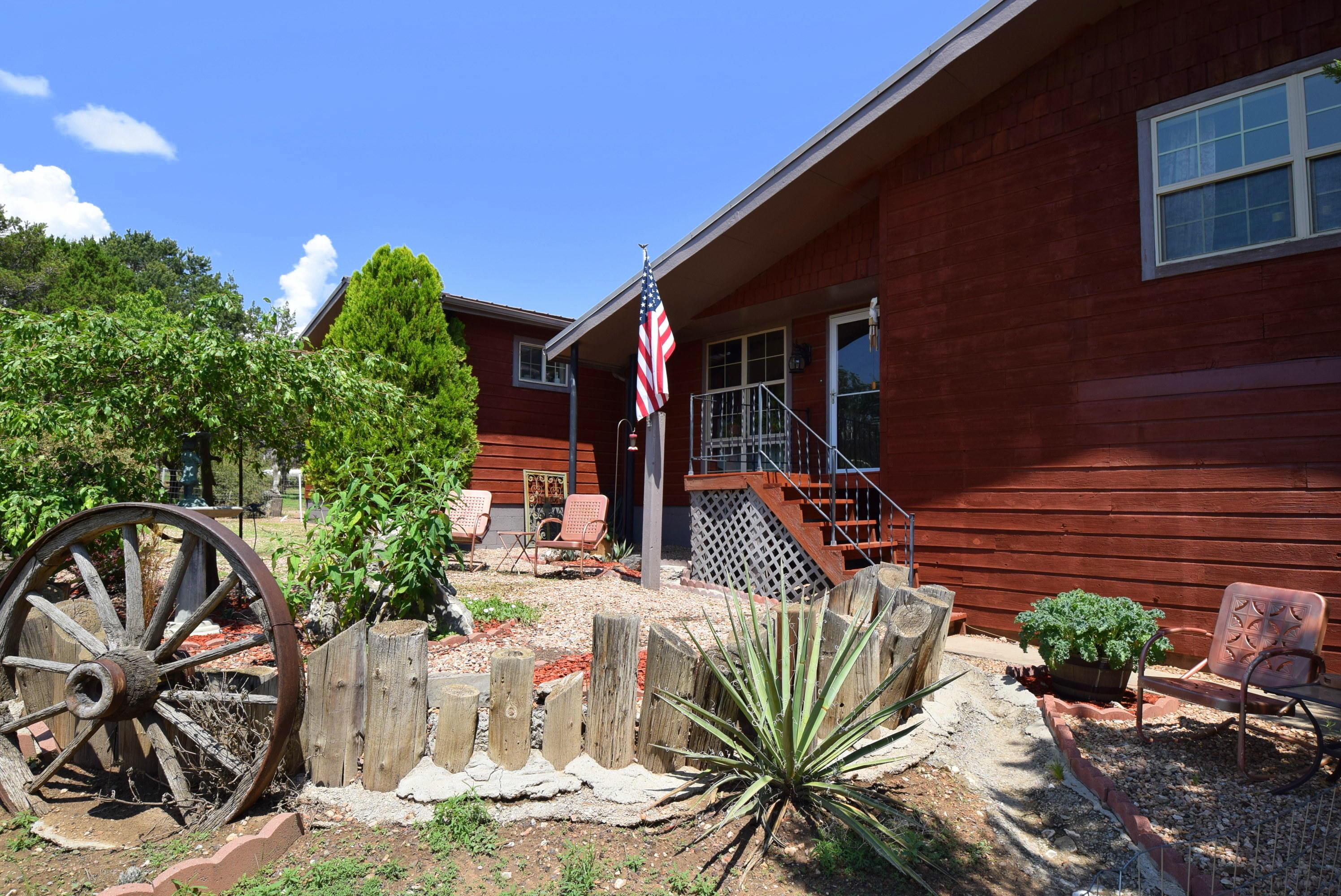 1 West Willard, Edgewood NM 87015