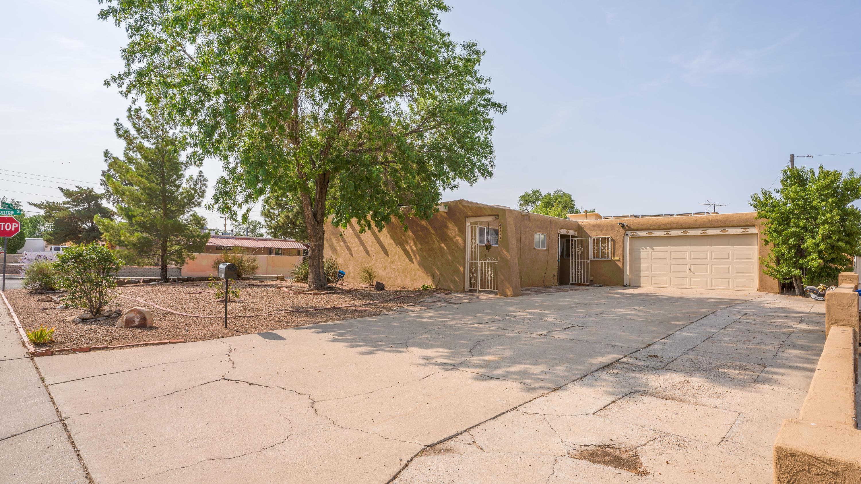 4724 HILTON Avenue, Albuquerque NM 87110