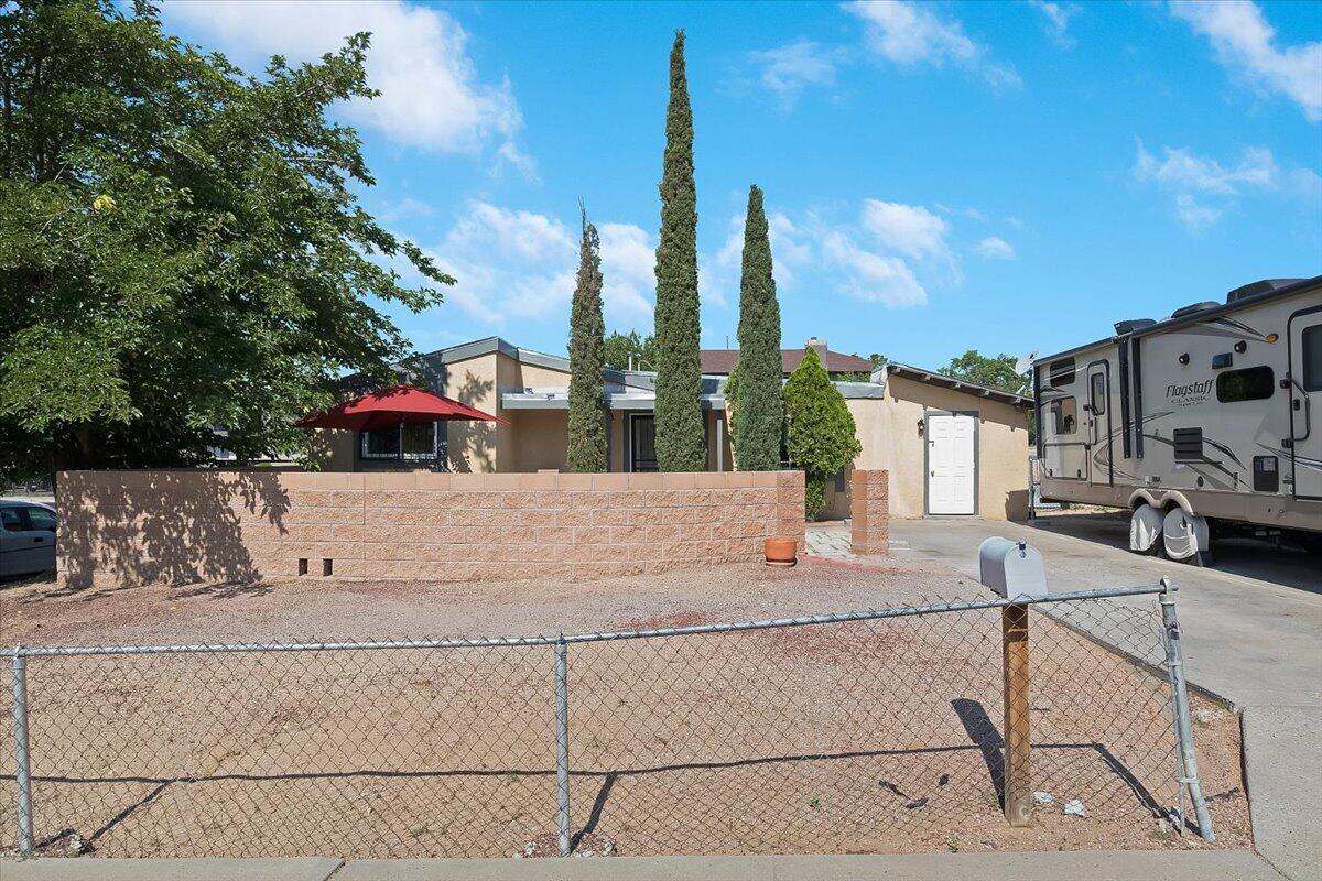 4701 RHODE ISLAND Place, Albuquerque NM 87109