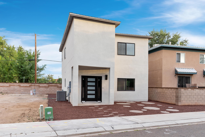 724 BENICIA Lane, Albuquerque NM 87102
