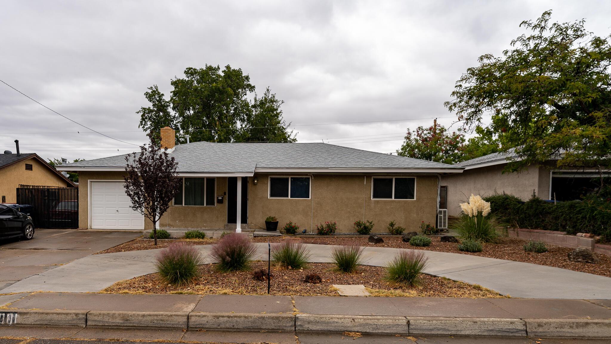6001 ALTA MONTE Avenue, Albuquerque NM 87110