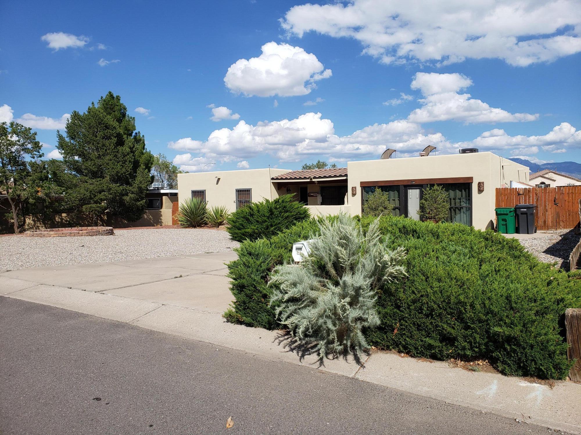 9916 GREENE Avenue, Albuquerque NM 87114