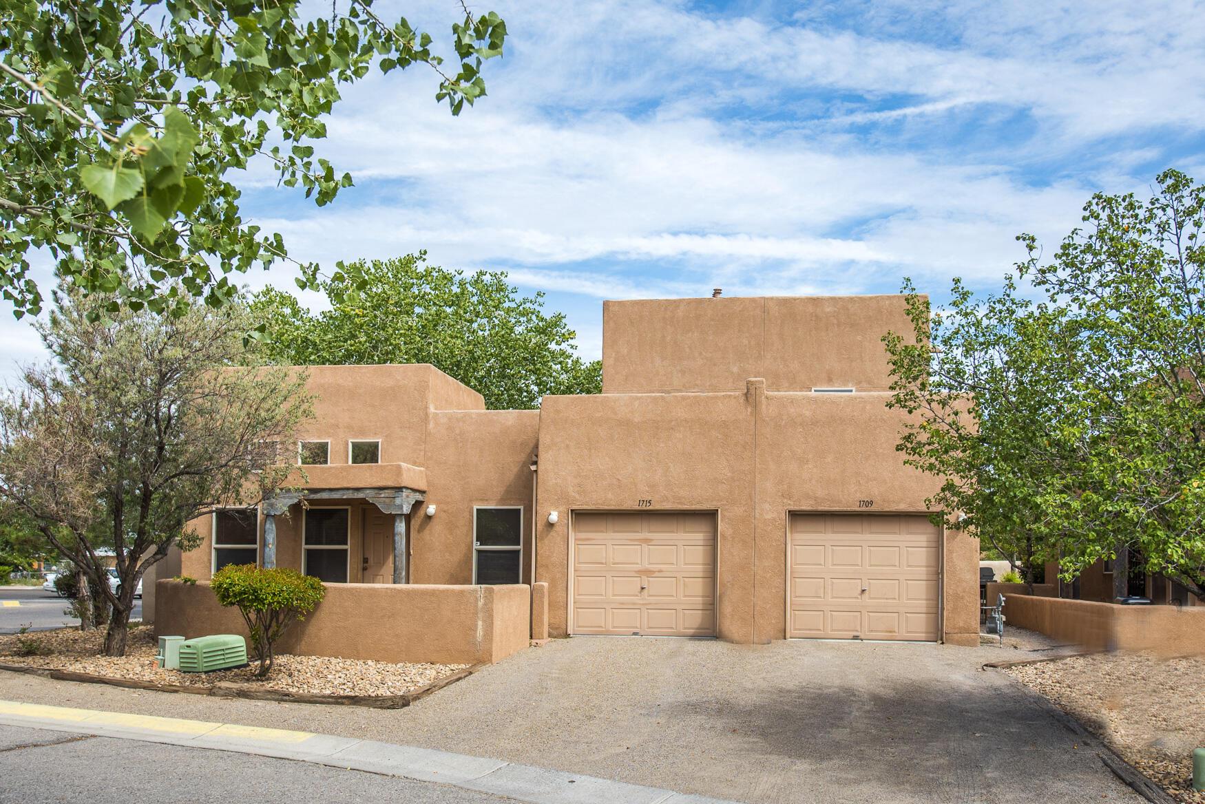 1709 Los Jardines Place, Albuquerque NM 87104