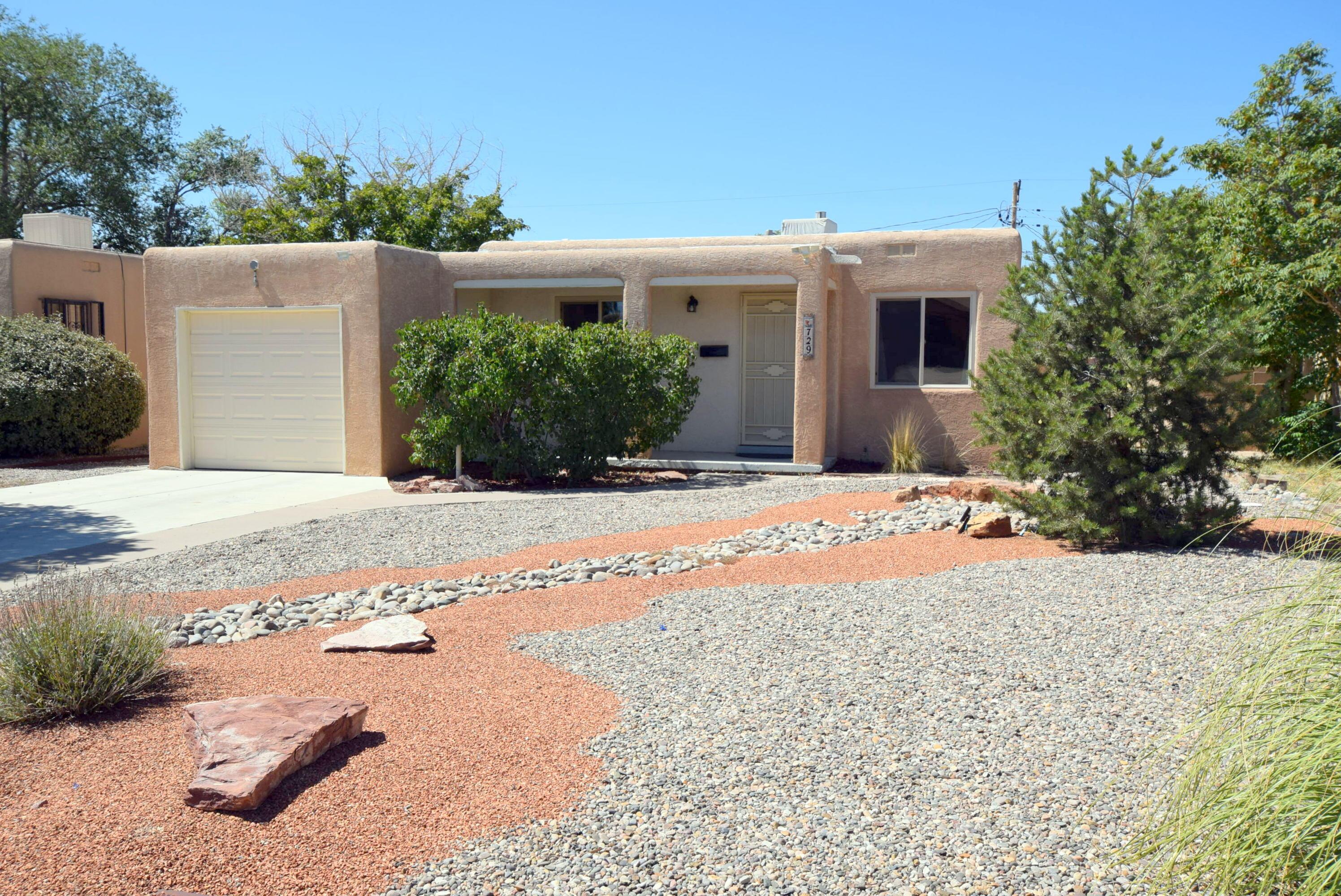 729 VALENCIA Drive, Albuquerque NM 87108