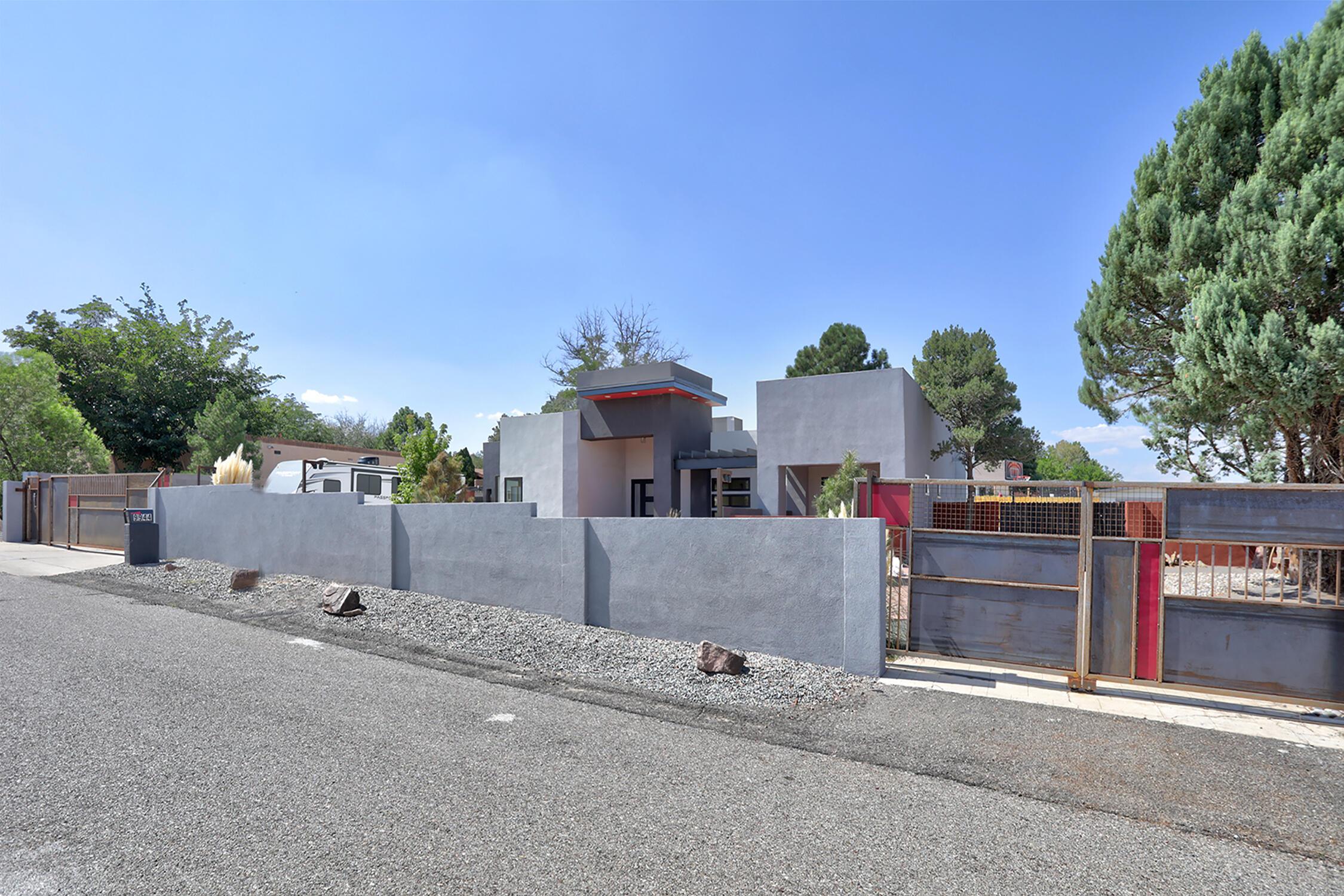 9944 RADCLIFFE Road, Albuquerque NM 87114