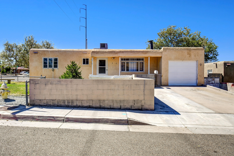 2201 PALOMAS Drive, Albuquerque NM 87110