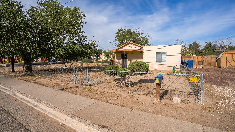2815 SIERRA VISTA Street, Albuquerque NM 87107