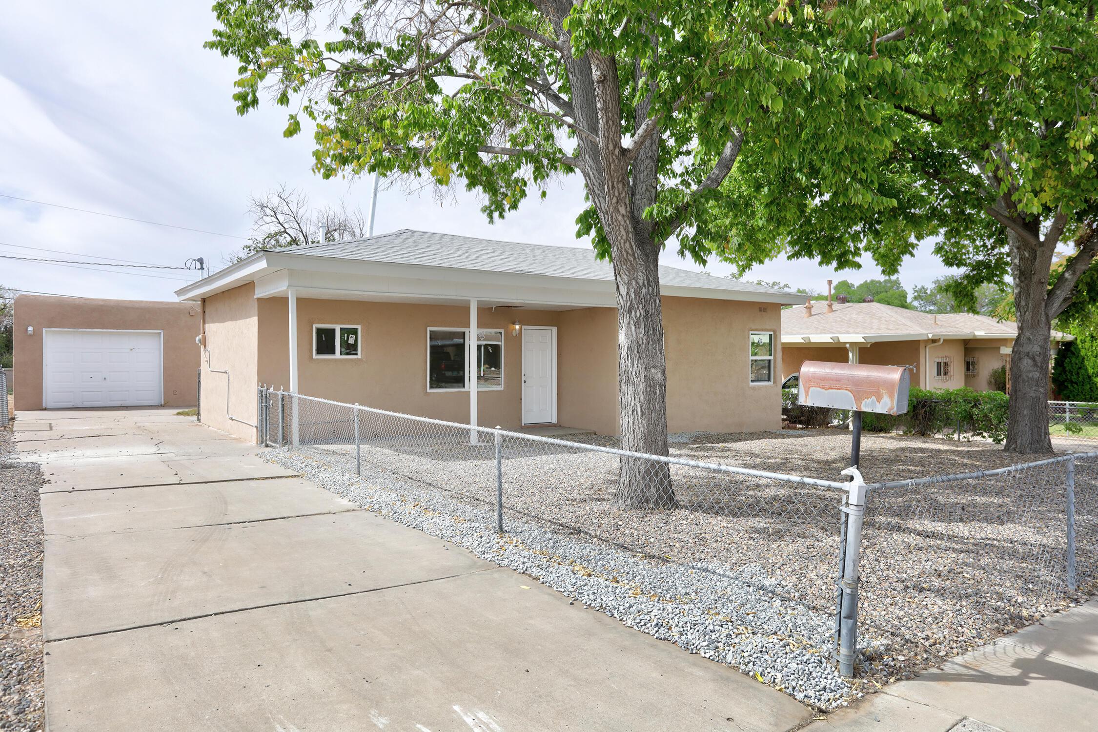 2937 ADAMS Street, Albuquerque NM 87110