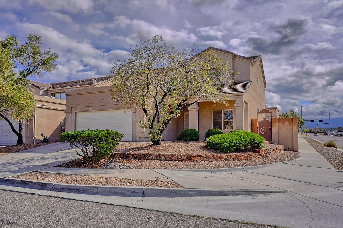 8000 OSO ABRAZO Drive, Albuquerque NM 87122