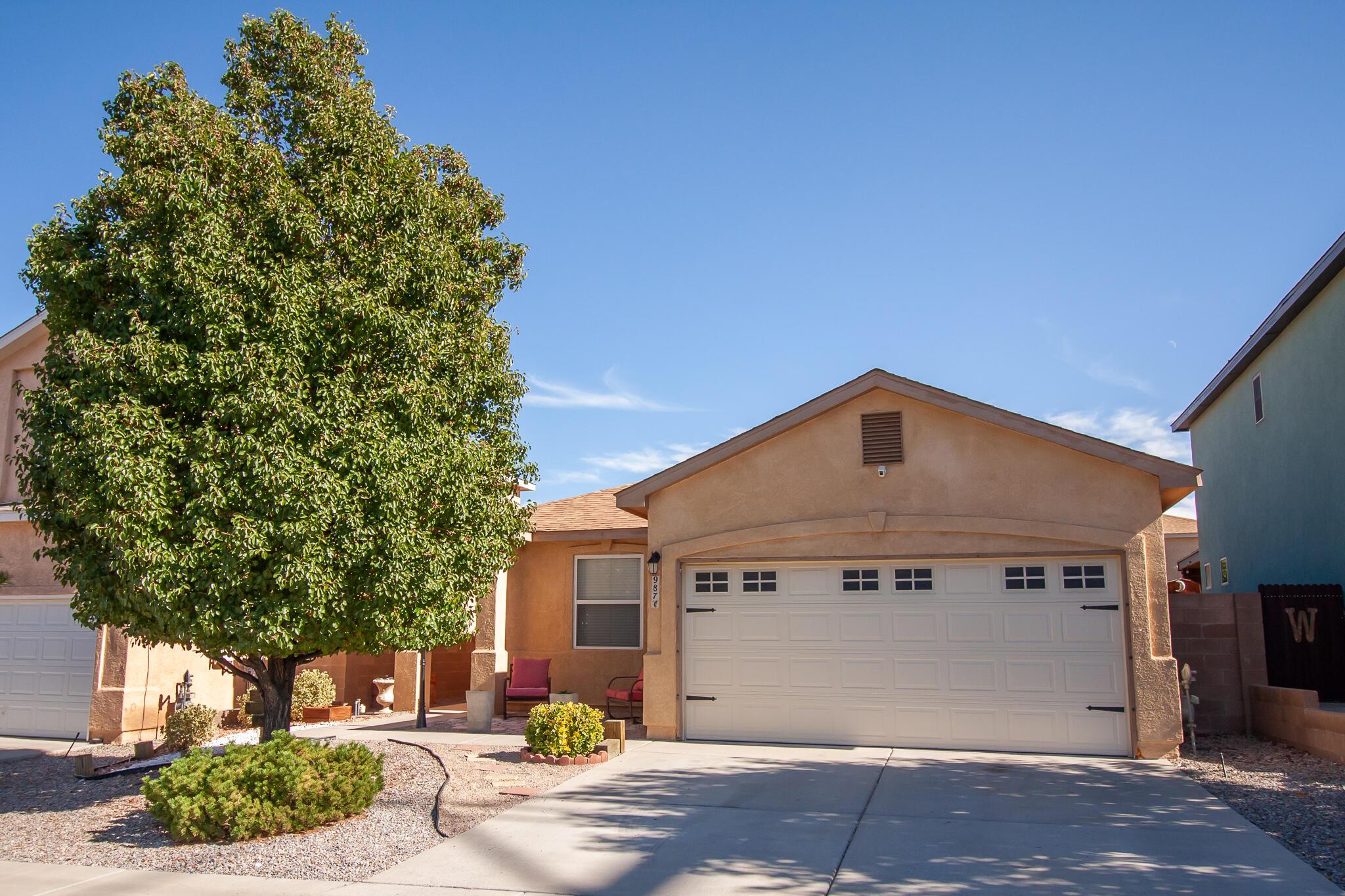 987 MOLTEN Place, Albuquerque NM 87120